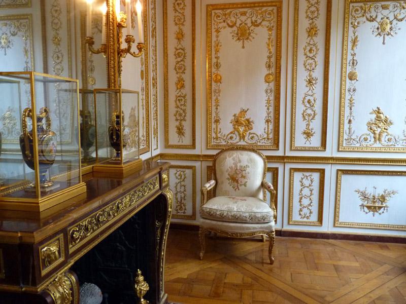 Versailles intime les petits appartements du roi rough - Les petits meubles de marie ...